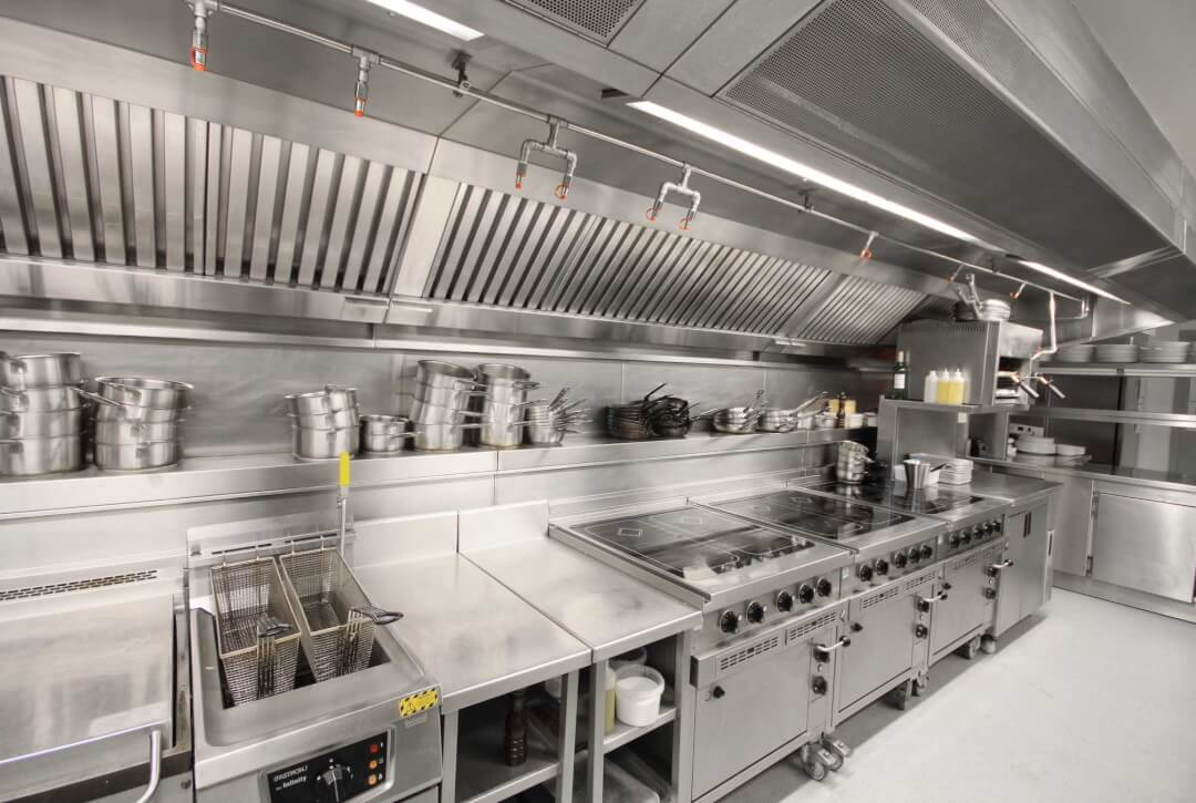 commercial kitchen & restaurant cleaning service picture